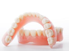総入れ歯をお使いの方